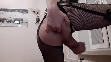 Femboy fingers himself while wanking