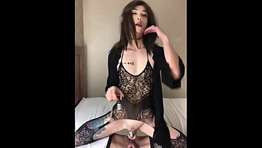 Asian Trap Andrea sniffs poppers and rides dildo