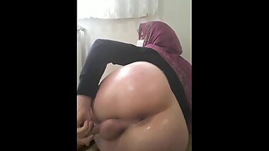 shemale webcam oiled ass